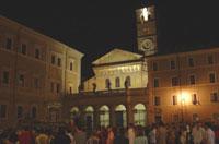 Plaza Santa María en Trastevere de noche