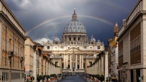 La Ciudad del Vaticano es parte del territorio italiano, pero considerado un estado independiente.