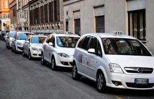 ¿Cuánto cuesta tomar un taxi en Roma?