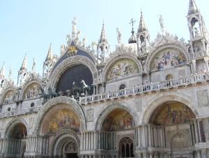 Exteriores de la Basílica de San Marcos.