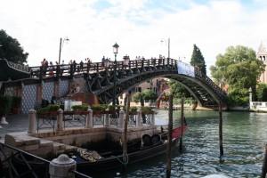 Puente de la Academia