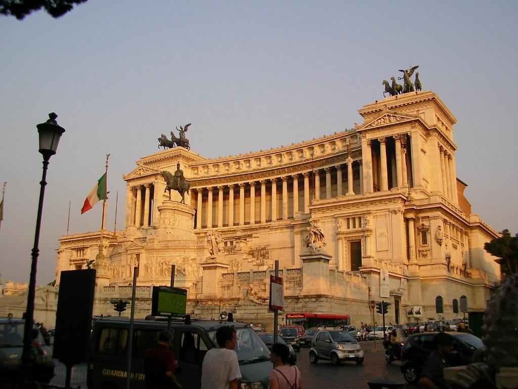 Los mejores lugares para visitar en roma viajar a italia for Be italia