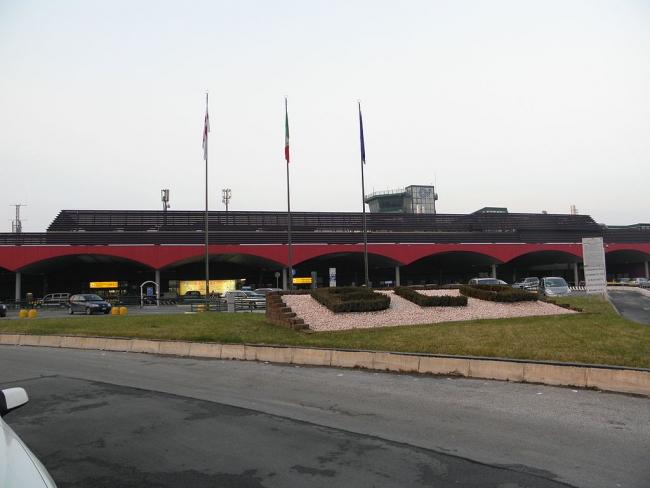 Terminal del Aeropuerto de Bolonia