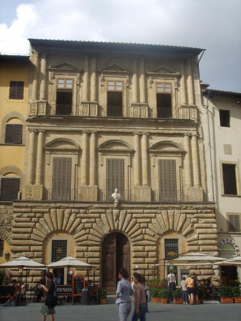 Palacio Uguccioni