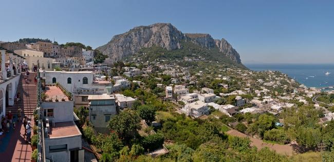 1280px-Capri_Centre_Belvedere