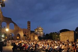 Presentación al aire libre- Festival de los Dos Mundos