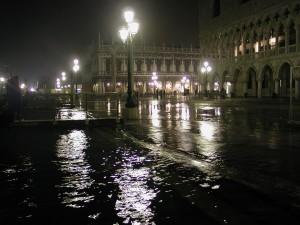 Mareas altas en la ciudad de Venecia.
