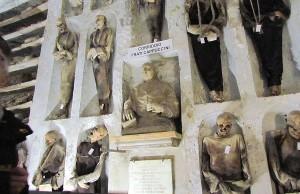 Lo que debes saber del Cementerio de los Capuchinos